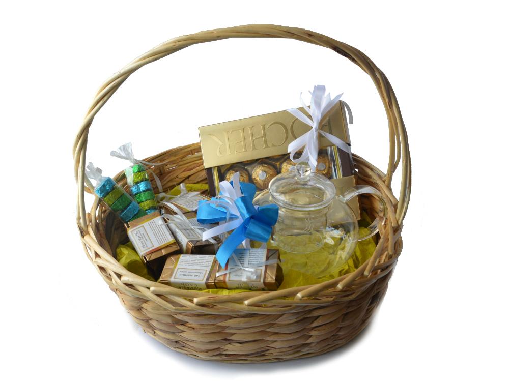 Подарки в корзинках с чаем 61