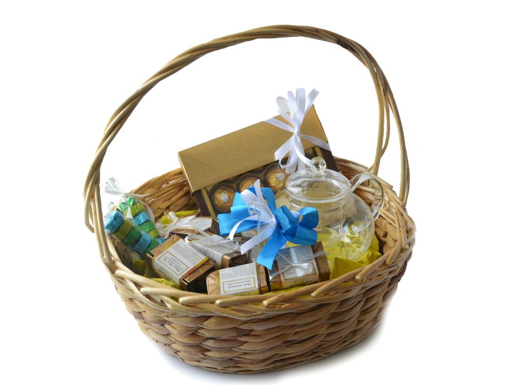 Подарки в корзинках с чаем 44